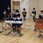 合奏 「ドラゴンクエスト(ロトのテーマ)」(左側) ・・・ ゆり組 (5歳児)